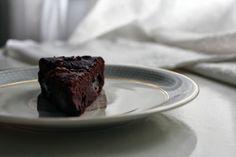 pardon me: Divine Chocolate Cake mit Birne & Walnüssen