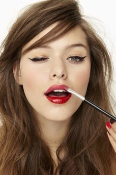 winged liner + red lips