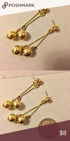 Vintage gold dangle earrings Great condition Vintage Jewelry Earrings