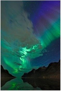 aurora boreal, como se ve desde Ersfjord, noruega por Errcomp