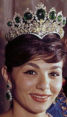 Tiara Mania: Seven Emeralds Tiara worn by Empress Farah of Iran