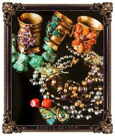 Loulou de la Falaise: The Glamorous Romantic Irish Fashion, Boho Fashion, Fashion Jewelry, Vintage Costume Jewelry, Vintage Jewelry, Coppola, Bohemia Jewelry, Arm Party, Modern Jewelry