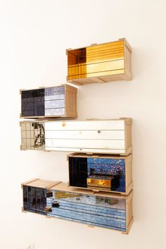 Mirror Wall Crate by Garth Roberts Canadian designer Garth Roberts has created the inventive and stunning Crate Collection for Italian mirror company Antique Mirror. Fancy Mirrors, Spa, Modern Retro, Barn Wood, Crates, Modern Furniture, Modern Design, Shelves, Interior Design