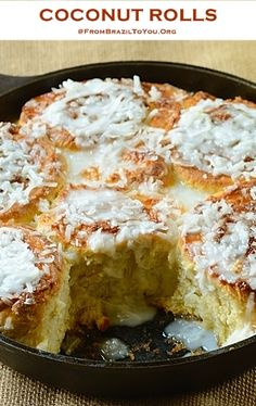 Brazilian Coconut Rolls -- filled with sweetened condensed milk and topped with a coconut milk glaze and coconut flakes! Great for both breakfast and as a snack. They are denser than cinnamon rolls and less sweet. Just Desserts, Delicious Desserts, Dessert Recipes, Yummy Food, French Desserts, Health Desserts, Brunch, Coconut Recipes, Eat Dessert First