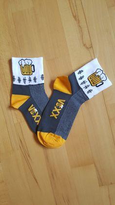 No co víc...#funkční letní ponožky  s motivem piva...#ponožky #ponozkyvoxx #funcniponozky #cyklostickeponozky #ponozkyspivem #pivniponozky #nizkeponozky Socks, Fashion, Moda, Fashion Styles, Sock, Stockings, Fashion Illustrations, Ankle Socks, Hosiery