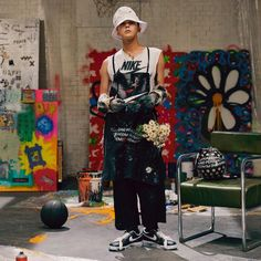 G-DRAGON brings his vision of a Nike Air Force 1 to fruition with a black upper that wears away over time to reveal a personal artwork. SVRN will be holding an in-store raffle for the shoe tomorrow from CST. Choi Seung Hyun, Seungri, G Dragon Fashion, Ulzzang, Rapper, Bigbang G Dragon, Ji Yong, Big Bang, Vip Bigbang