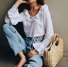 Denim and a white blouse for summer.