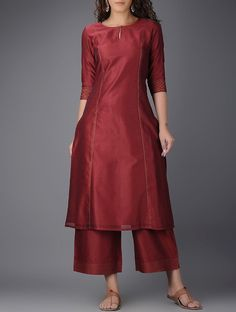 New Image : Salwar designs Silk Kurti Designs, Churidar Designs, Kurta Designs Women, Kurti Designs Party Wear, Simple Kurta Designs, Dress Neck Designs, Stylish Dress Designs, Designs For Dresses, Stylish Dresses