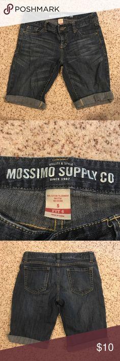 Mossimo target Bermuda shorts fit 6 women's size 5 Mossimo supply co Bermuda cut denim shorts in women's size 5.  Fit 6 Mossimo Supply Co Shorts Jean Shorts