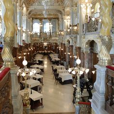 New York Cafe, Budapest - the most sumptuous place you can imagine to enjoy a quiet coffee. In the Boscolo Budapest Luxury Hotel New York Cafe Budapest, Cafe New York, Capital Of Hungary, Best Coffee Shop, Coffee Shops, Paris Cafe, Le Palais, Nyc, Budapest Hungary