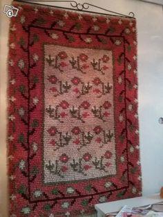 Ryijy Art Textile, Textile Patterns, Textiles, Rya Rug, Rug Hooking, Anna, Carpet, Graphic Design, Blanket