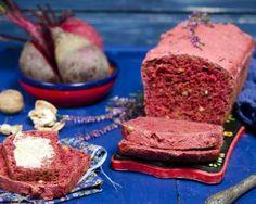 Cake à la betterave et aux noix : http://www.fourchette-et-bikini.fr/recettes/recettes-minceur/cake-la-betterave-et-aux-noix.html