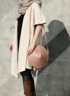 Circle Bag by IF irinaflorea | minimalist rose leather bag | https://www.facebook.com/irinafloreadesign/