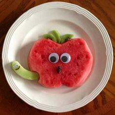 Watermelon apple snack is part of Food art lunch - Cute Snacks, Fun Snacks For Kids, Cute Food, Kids Meals, Yummy Food, Fruit Snacks, Kid Snacks, Kids Fun, Fruit Appetizers