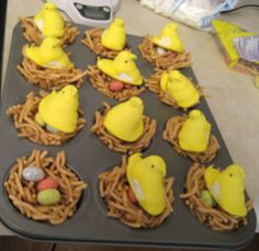 Peeps Easter nest... I think I'll coat the pretzels in chocolate :)