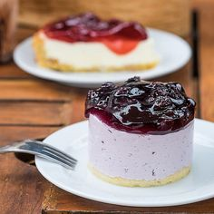 Lightweight Low Carb Blueberry Yogurt Fridge Tart – Recipe without sugar - Ketogenic Diet Recipes Yogurt Recipes, Tart Recipes, Cupcake Recipes, Low Carb Recipes, Dessert Recipes, Paleo Dessert, Dessert Table, Delicious Desserts, Brownie Deserts