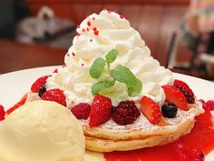 人気ハンバーガー店クアアイナのクリスマスパンケーキがふわふわ盛り盛りでテンションMAX! - ネタとぴ