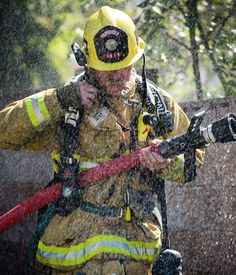 FEATURED POST @michael_coons - A @venturacountyfire firefighter is showered in water after putting out a spot fire in a palm tree from a structure fire in #SimiValley today. . ___Want to be featured? _____ Use #chiefmiller in your post ... http://ift.tt/2aftxS9 . . CHECK OUT! Facebook- chiefmiller1 Periscope -chief_miller Tumblr- chief-miller Twitter - chief_miller YouTube- chief miller . . #firetruck #firedepartment #fireman #firefighters #ems #kcco #brotherhood #firefighting #paramedic…