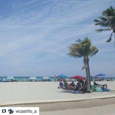 #Repost @wcastillo_a (@get_repost) ・・・ #Playatime #miami #hollywoodbeach .  .  . #Hollywoodtapfl #HollywoodFL #HollywoodBeach #DowntownHollywood #Miami #FortLauderdale #FtLauderdale #Dania #DaniaBeach #Aventura #Hallandale #HallandaleBeach #PembrokePines #Miramar #Broward (at The Beautiful Beach Of Hollywood)