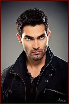 Tyler Hoechlin as Derek Hale, the new Alpha, who even after assembling himself a pack, feels threatened by the arrival of the Kanima, a creature perhaps just as strong as he is.