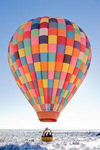 Winter hot air balloon ride