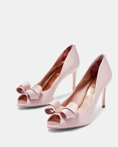BLUSHING BRIDE take the plunge in pastel with Ted's NAOMMI heels