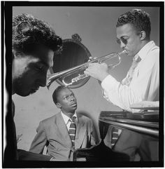 Howard McGhee and Miles Davis. New York City, September I've looked at this photo many times. Davis is McGhee is I've wondered a lot whether I'm… Miles Davis, Jazz Artists, Jazz Musicians, Louis Armstrong, Genre Musical, All That Jazz, Jazz Blues, Library Of Congress, Portrait