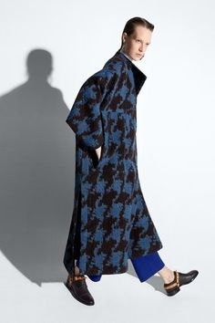 See the complete Acne Studios Pre-Fall 2015 collection.