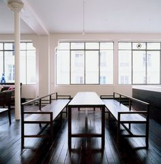 The Martel loft is located in a former garment factory in the 10th arrondissement. The steel-framed windows were sandblasted and repainted and the original floors were refinished.
