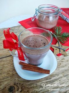 Ciocolată caldă home-made Juice Smoothie, Smoothies, Tasty, Yummy Food, Homemade, Drinks, Cooking, Tableware, Smoothie
