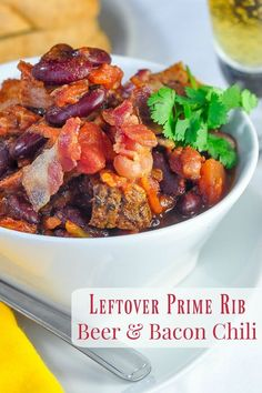 Prime Rib Beer Bacon Chili Prime Rib Beer Bacon Chili – a leftover luxury meal. A terrific use for leftover prime rib or beef roast to stretch it into another complete, flavourful meal. Prime Rib Chili Recipe, Prime Rib Soup, Prime Rib Roast, Roast Beef Recipes, Rib Recipes, Chili Recipes, Cooking Recipes, Game Recipes, Recipies