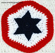 Crochet of July Star Potholder free pattern « The Yarn Box Potholder Patterns, Crochet Potholders, Crochet Patterns, Hexagon Crochet, Easy Patterns, Crochet Ideas, Diy And Crafts Sewing, Diy Crafts, Game Mobile