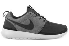 Nike Roshe Run Premium. Get some!