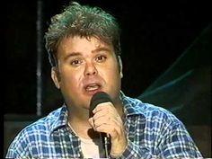 Paul de Leeuw - Ik wil niet dat je liegt. Deze nummer 1 hit van Paul de Leeuw in 1994 stond 9 weken boven aan de hitlijsten.
