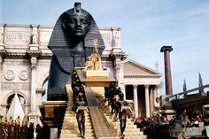 Elizabeth Taylor Cleopatra $1 Million | item6.rendition.slideshow.cleopatra-set-design-07.jpg