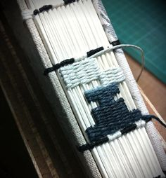 Weaving irregular pattern along the spine by Siuyuett
