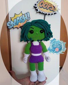 "40 Me gusta, 11 comentarios - Marisol de Gamisol (@gamisolamigurumis) en Instagram: ""Terminada She-Hulk 💪, me encanta el resultado mide 27 Cms aprox Patrón@gamisolamigurumis…"" Tweety, Crochet Hats, Fictional Characters, Instagram, Art, The Creation, Knitting Hats, Art Background, Kunst"