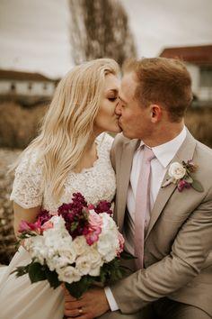 Photo Shoot, Wedding Photos, Poses, Wedding Dresses, Ideas, Fashion, Photoshoot, Marriage Pictures, Bride Gowns