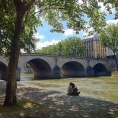 Paris. 2012.