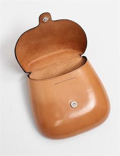 Christophe Lemaire, Bisaccia Round Case in Natural. Leather Purses, Leather Handbags, Leather Wallet, Leather Bags, My Bags, Purses And Bags, Look 2015, Christophe Lemaire, Leather Projects