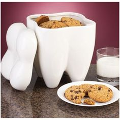 Who took a cookie from the tooth cookie jar? Smile Savvy, dental internet marketing @ www.smilesavvy.com #SmileSavvy #dentalinternetmarketing
