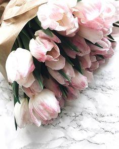 2,208 отметок «Нравится», 50 комментариев — Lisa // Mom & Fashionlover (@lisaskindoffashion) в Instagram: «#flowersmakemehappy ✨ mein zweiter wunderschöner Blumenstrauß von @mybloomydays (mit dem Code…»