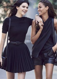 All-black – chic and so flattering but also so simple. x