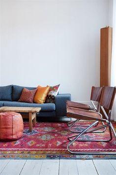家具同士のテイストを、うまくつなげてくれるのもキリムの力かもしれません。