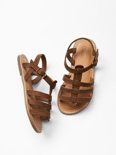 Make her trendy by using girls baby shoes & toddler sneakers, & daycare shoesfor females. Toddler Sandals, Toddler Sneakers, Toddler Girl Shoes, Girls Sandals, Baby Girl Shoes, Baby Kids Clothes, Toddler Girl Outfits, Toddler Fashion, Girls Shoes