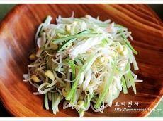 콩나물냉채 만드는법, 콩나물샐러드 ~.. Korean Food, Korean Recipes, Food Menu, Salad Dressing, No Cook Meals, Cucumber, Cabbage, Salads, Food And Drink