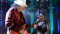 """Carlos Santana Covered """"While My Guitar Gently Weeps"""" On Stage And It Was Enchanting"""