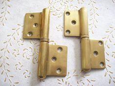 Italia vintage cerniere ottone oro per porte interne di ottima Antique Hinges, Bathroom Hooks, Door Handles, Antiques, Vintage, Decor, Gold, Italia, Antiquities