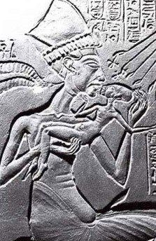 Akhenaten in an exaggerated form. Also I read that he is suspected to be the father of King Tut (fathered him with his sister, not Nefertiti) Egyptian Mythology, Ancient Egyptian Art, Ancient Ruins, Ancient History, Egyptian Temple, Egyptian Queen, Historical Artifacts, Ancient Artifacts, Alien Theories