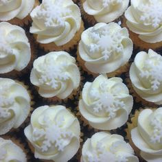 Christmas Mini Cupcakes.